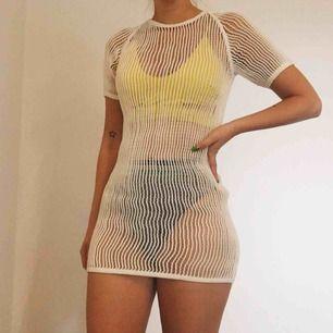 Nätklänning! Snygg över badkläder som strandklänning 🌞