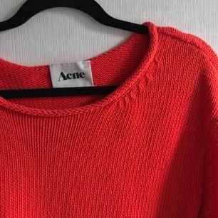 Stickad tröja från acne, strl XS men funkar även på S/M skulle jag säga🤩 köpare står för frakt<3