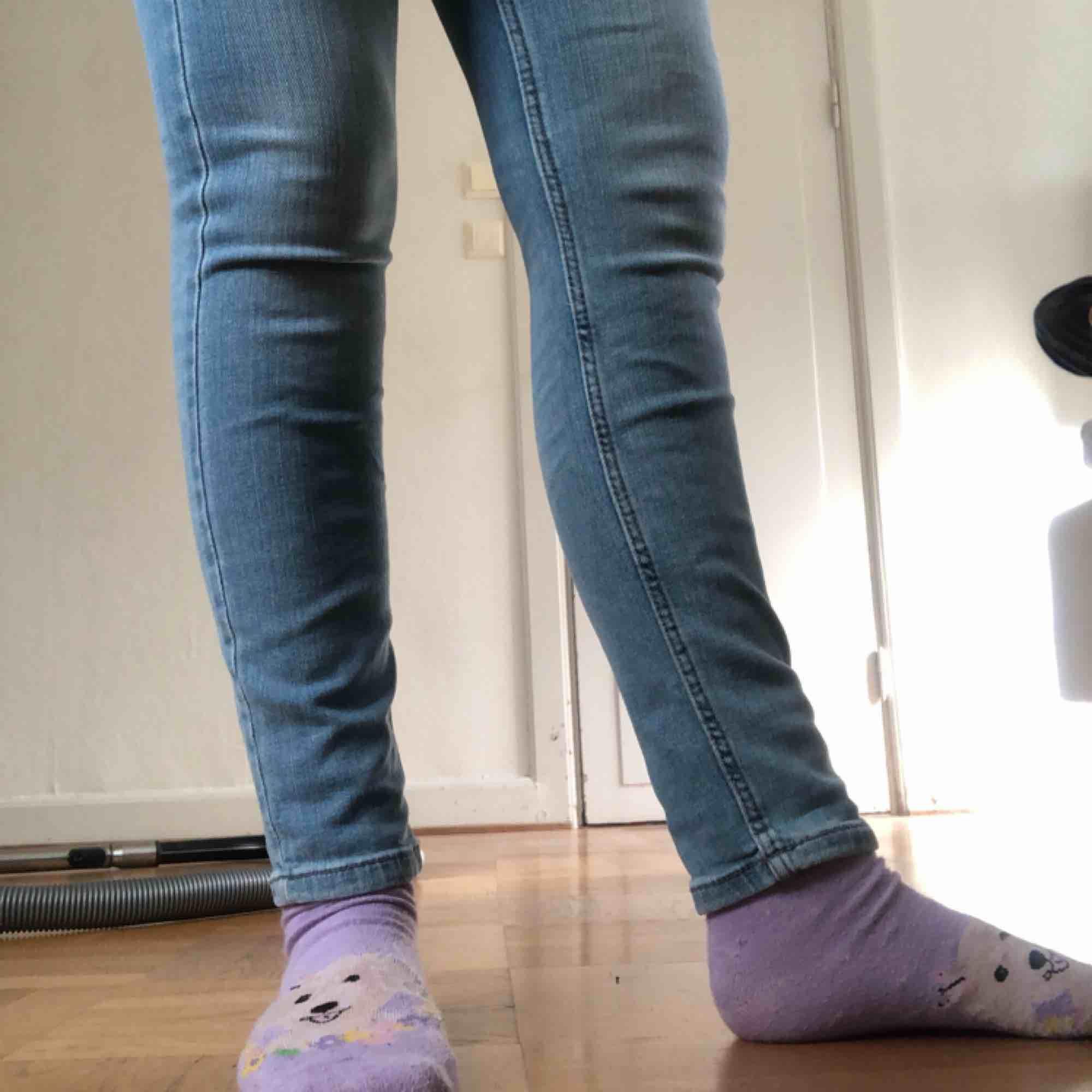 Byxor från Dobber, ändast använd en gång.. Jeans & Byxor.