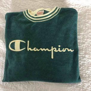 Champion sweat i stl m, endast använd en gång   Köpte står för frakt eller möts upp i Göteborg 🌸