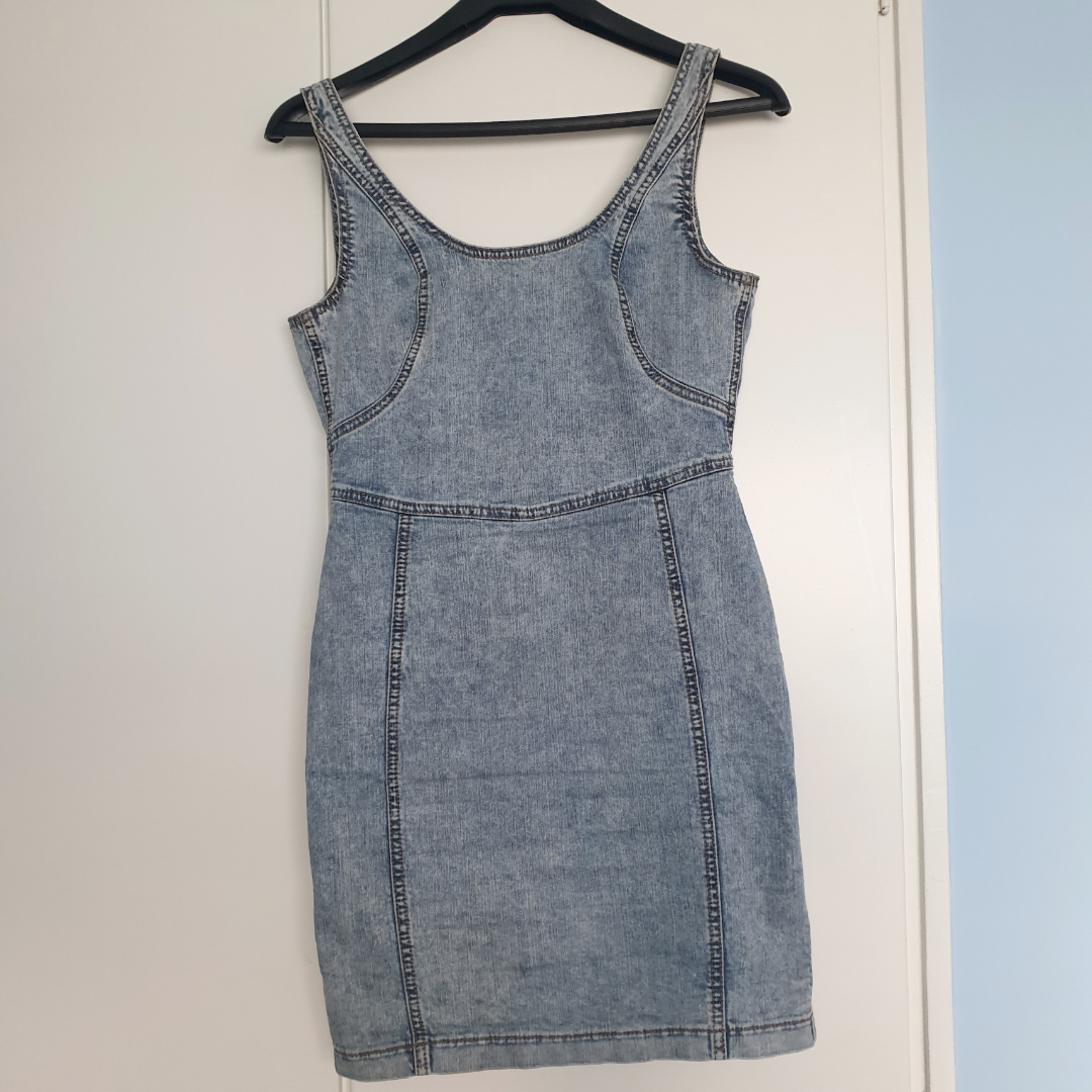 Denimklänning från Topshop . Klänningar.