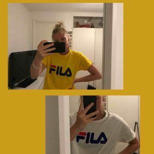 Två FILA t-shirts för 100kr, 1 för 75. Inte äkta men jag tycker själv att passformen ser mycket bättre ut på dessa tröjor än de äkta då dessa är större och luftigare.