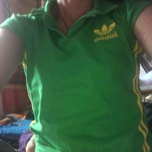Adidas tröja  Passar xs