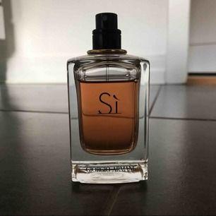 Säljer min Si parfym från Armani. 50ml, använt ca 10%. Köpare står för frakt 🌸