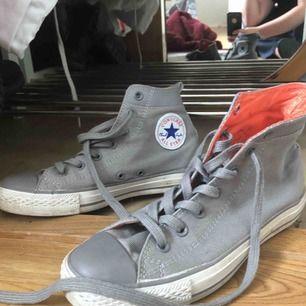 Snygga Chuck Tyler Converse helt nya! Använda Max 3 gånger! Behövs bara städa lite!