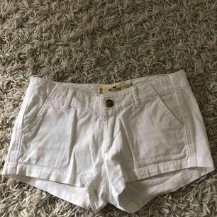 Shorts ifrån Hollister, frakt tillkommer