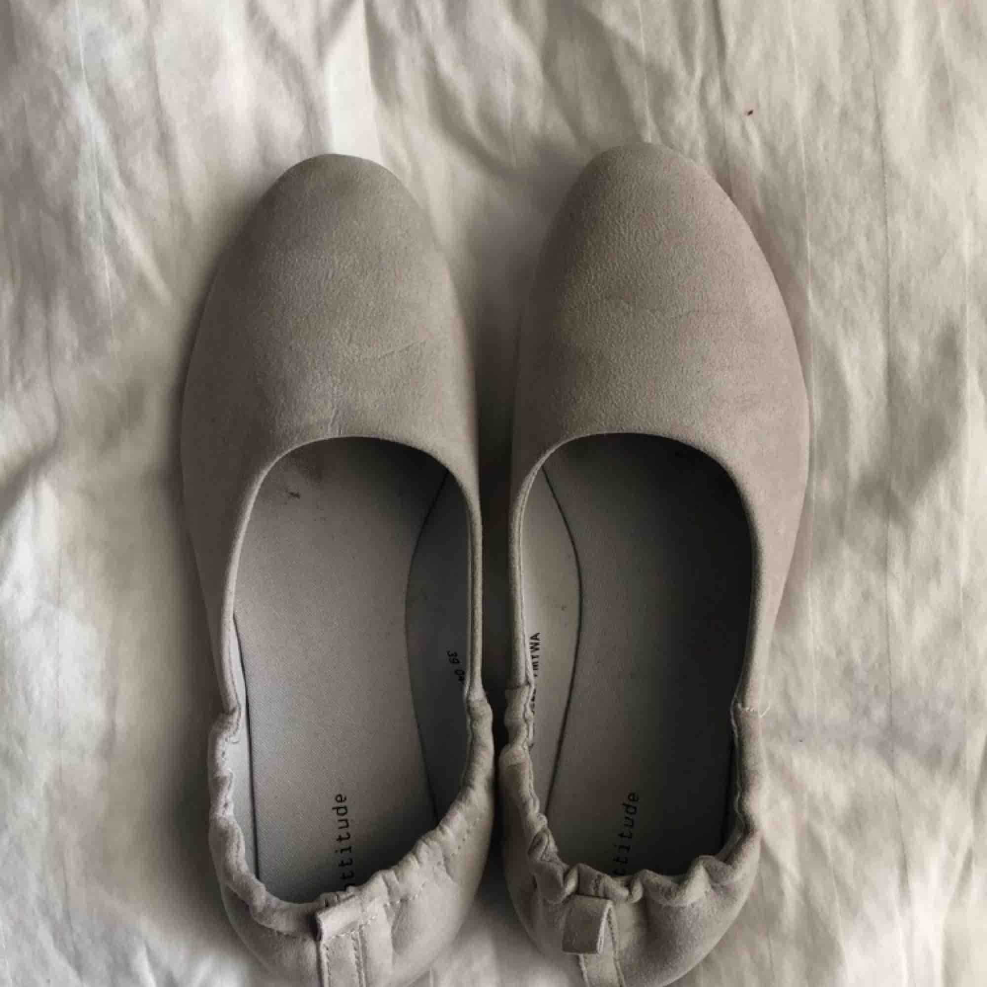 Ballerina skor som används 1 gång på min bal, säljer pga att det inte är min typ av sko. Skor.