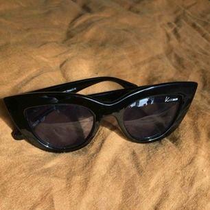 Supersnygga cateye-solglasögon! Har tyvärr inte använts mer än ett par gånger. Nyskick 😊   Pris exkl frakt.
