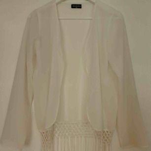Tunn tröja från Sallyˆle  Storlek 32 Aldrig använd!   Köparen står för frakten Kan mötas upp i GBG/Mölndal