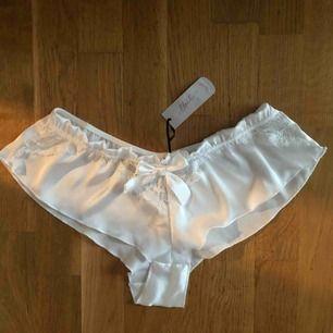Fina silkes shorts. Mer som pyjamas. Oanvända!