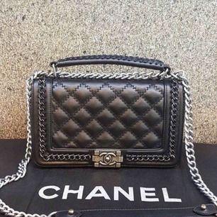 Chanel väska i helt nytt skick! Klass 2 kopia i toppkvalité! Möts upp i Sthlm och postar ❤️