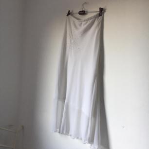 vit y2k kjol 😄