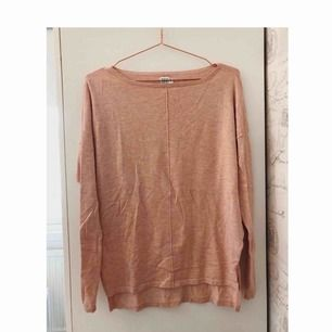 aldrig använd tröja som är köpt från Alvas hus