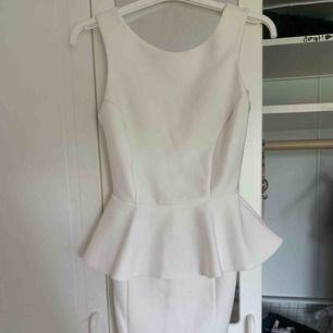 fin vit klänning från topshop.