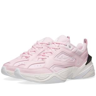 Slutsålda Nike m2k tekno sneakers i colourway pink foam. Strl EU 39  Aldrig använda. Kommer med originallåda