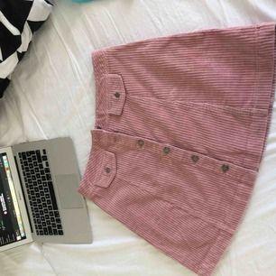Jätte fint rosa Manchester kjol ! Har aldrig använd pga liten för mig ! 💕