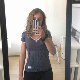 Odd Molly tröja i strl 0 dvs ca XS, endast använd en gång! Köpt för 595kr men säljer för 250❤️