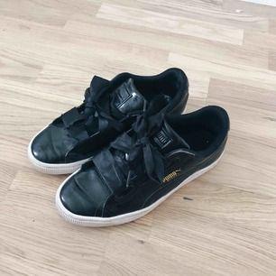 Skor från Puma i storlek 36, sparsamt använda
