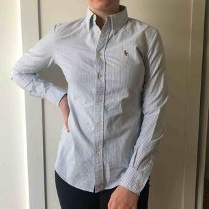 Tja, snygg 🐫. Säljer min randiga skjorta från Polo - Ralph Lauren jag köpte för att använda en gång.