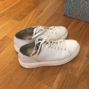 Skitsnygga dr.martens Dante skor. Storlek 38 men passar 39 då dem är stora i storleken.