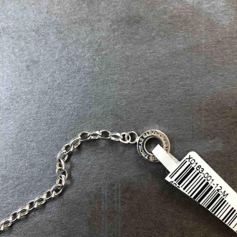 Säljer ett äkta silver armband från Thomas Sabo. Aldrig använt! Frakt tillkommer . Accessoarer.