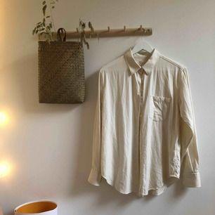 Flanellskjorta från Arket i storlek 36. Använd väldigt få gånger!
