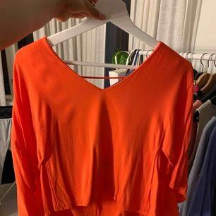 Orange. Fint skick.