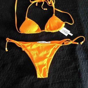 helt ny och oanvänd bikini från Ivyrevel. Storlek 34 på båda delarna.