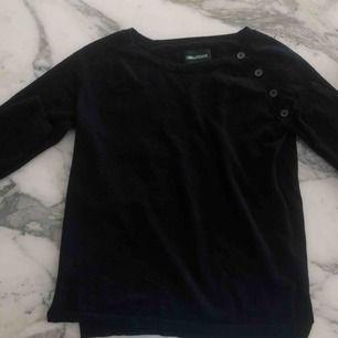 Zadig Voltaire stickad tröja. Knappt använd. Köpt för ca 2000 kr