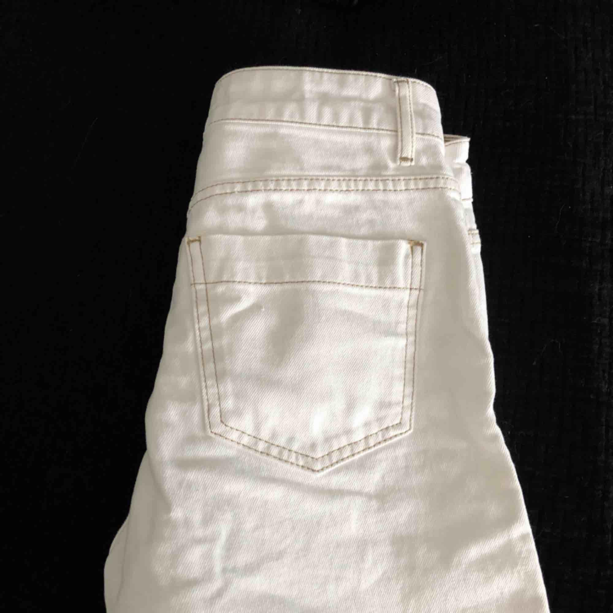 Jeans från gina tricot, helt nya. Jeans & Byxor.
