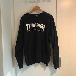 Äkta Thrasher tröja i mycket bra skick. Storlek Large. Finns i Stockholm alternativ postar, köpare står för frakt.