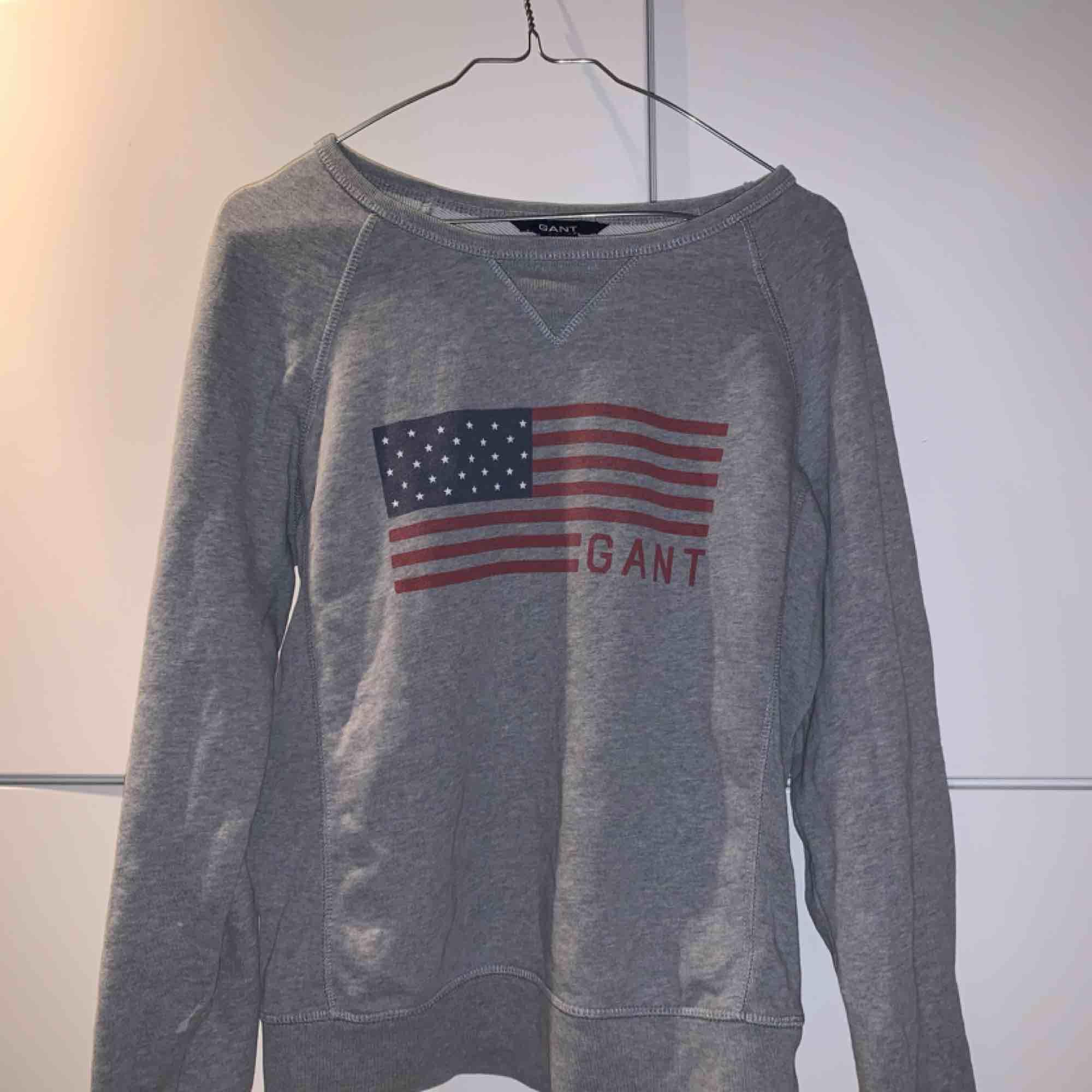 Superfin GANT tröja i mycket bra skick, storlek XS men passar mig som är S  . Tröjor & Koftor.