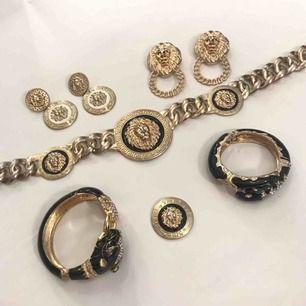 Olika Versace liknande smycken ✨ Örhängen/halsband/armband 150kr för allt! Skriv för styckpris