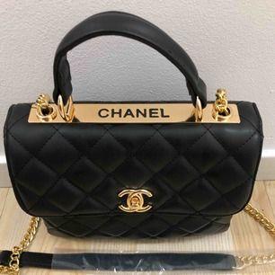 CHANEL & LOUIS VIUTTION väskor  Bud från 500kr styck