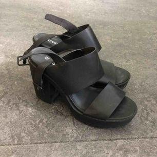 Chunky heels från hm, knappt använt har stått i garderoben bara.