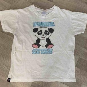 Rare dolly style t-shirt. Knappt använd ❤️