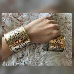 100kr för båda. 2st fina bohemiska armband/cuffs. Frakt tillkommer.
