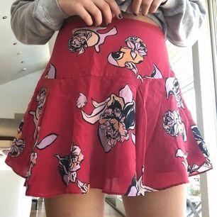 Sån fin kjol från fall winter spring summer, som aldrig är använd då det inte är min stil