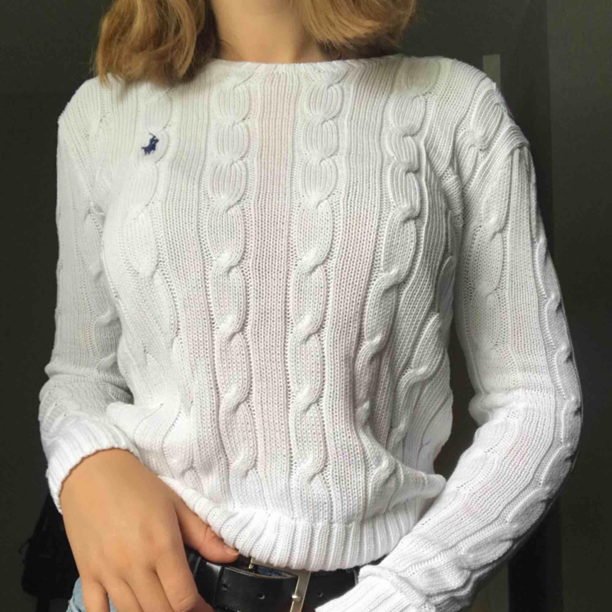 Ralph Lauren tröja, fint skick! Priset kan diskuteras! Skriv för fler frågor🌟. Stickat.