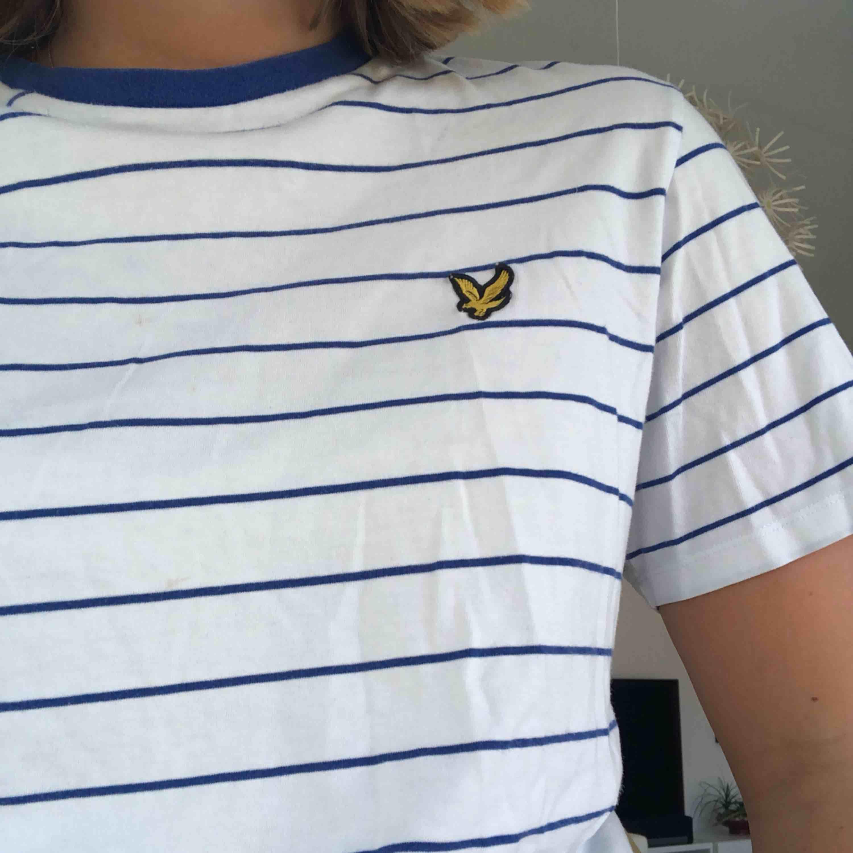 T-shirt som jag aldrig använder, skön och fin. T-shirts.