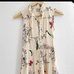 Jättefin klänning från Asos! Endast provad så i väldigt bra skick ✨