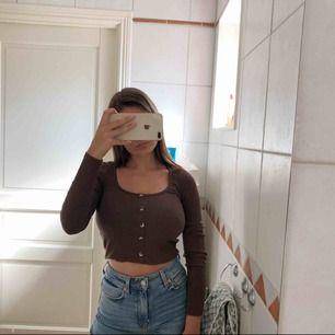 Brun långärmad tröja