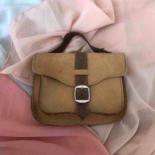 super trendig och söt liten väska!