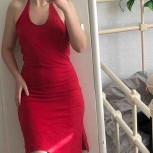söt sommar röd klänning