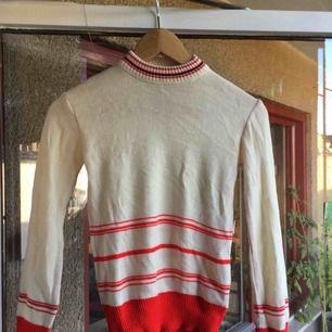 tunt stickad retro tröja från pop:-)