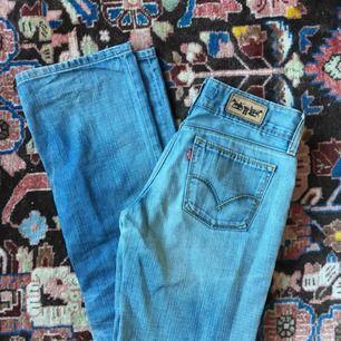 raka vintage levis jeans, kan också upplevas som lite bootcut
