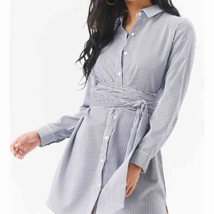 Skjort-klänning med knut från Forever21. Använd 1 gång! <3