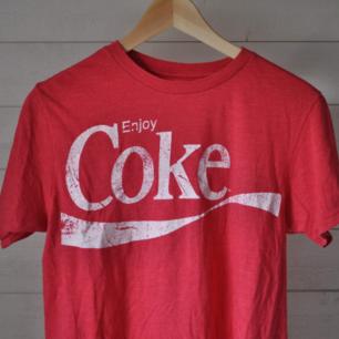 Coca cola tshirt, storlek small. Fint skick!