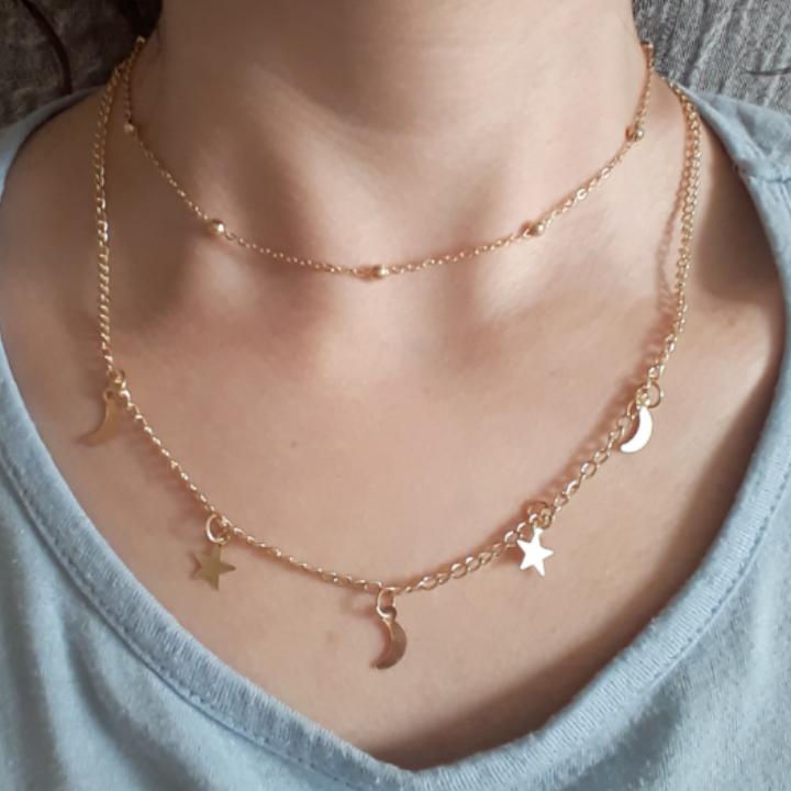 ☆Dubblat guldigt halsband från Spanien☆ Finns möjlighet att skystera lite bakon kedjan om man vill bära den högre upp elr längre ned. Frakt: 9:-. Accessoarer.