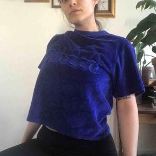 T-shirt från Ellesse. Jag har sytt upp den men aldrig använt den.